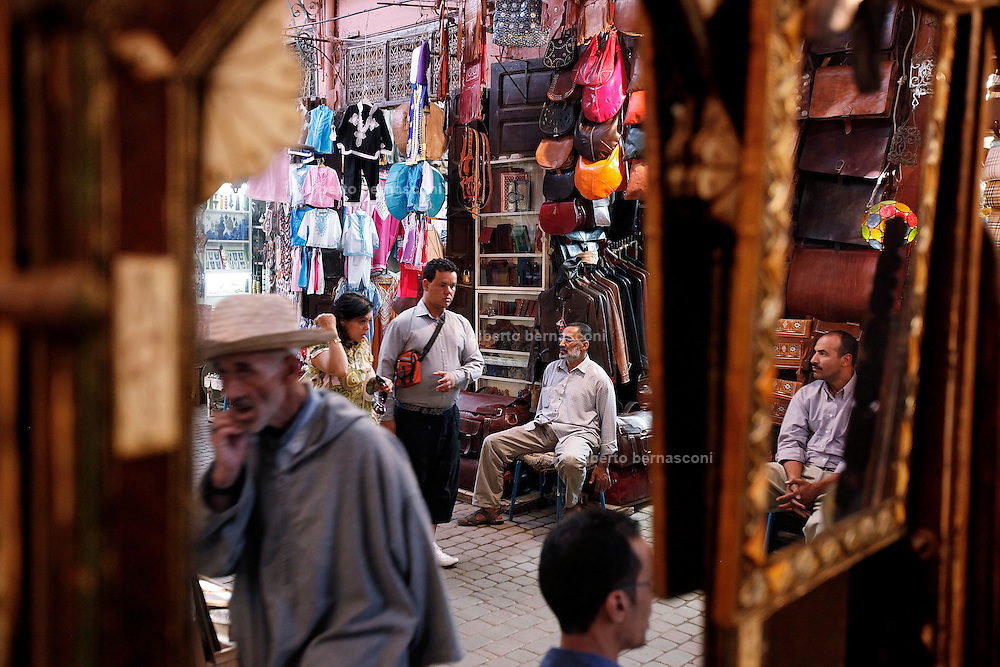 MAROC, Marrakesh: souk Morocco