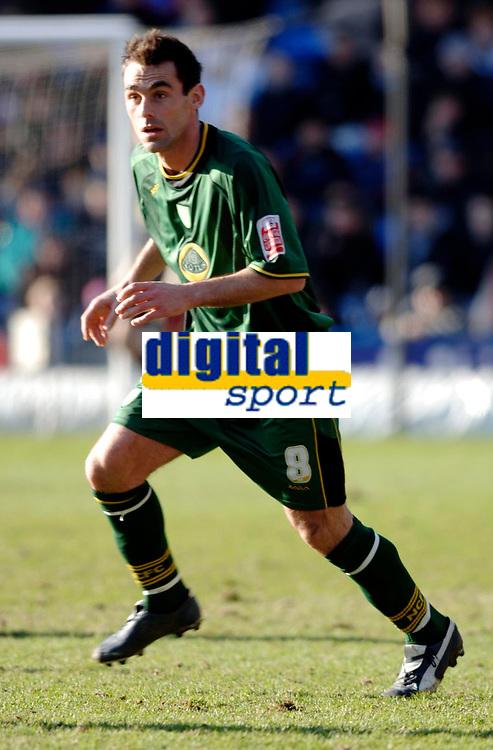 Photo: Daniel Hambury.<br />Crystal Palace v Norwich City. Coca Cola Championship. 25/02/2006.<br />Norwich's Peter Thorne.