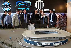 Ronaldo Nazário com o presidente executivo do Grupo RBS, Eduardo Sirotsky Melzer durante visita ao estádio Arena do Grêmio onde acontecerá a 10ª edição do Jogo Contra a Pobreza (Match Against Poverty). FOTO: Jefferson Bernardes/Preview.com