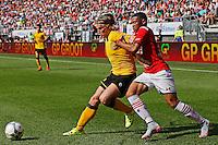 ALKMAAR - 30-08-2015, AZ - Roda JC, AFAS Stadion, 0-1, Roda JC speler Henk Dijkhuizen (l), AZ speler Dabney dos Santos Souza.