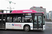 Stadsbus van regiovervoerder Breng rijdt sinds december 2012 op groen gas, biologisch gas wat uit gft afval wordt gewonnen bij o.a. de ARN in Weurt.Foto: Flip Franssen