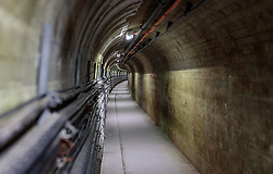 THEMENBILD - Wartungstunnel und elektrische Leitungen in der Mooserboden Staumauer, aufgenommen am 15. Juni 2017, Kaprun, Österreich // Maintenance tunnels and electrical lines in the Mooserboden dam on 2017/06/15, Kaprun, Austria. EXPA Pictures © 2017, PhotoCredit: EXPA/ Stefanie Oberhauser