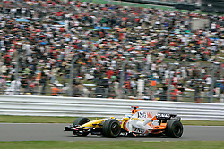 SHIZUOKA, JAPAN - Sunday, October 12, 2008: Fernando Alonso (ESP, ING Renault F1 Team) during the Japanese Formula One Grand Prix at the Fuji Speedway. (Photo by Michael Kunkel/Hochzwei/Propaganda)