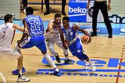 DESCRIZIONE : Supercoppa 2015 Semifinale Banco di Sardegna Sassari - Grissin Bon Reggio Emilia<br /> GIOCATORE : MarQuez Haynes<br /> CATEGORIA : palleggio penetrazione sequenza blocco<br /> SQUADRA : Banco di Sardegna Sassari<br /> EVENTO : Supercoppa 2015<br /> GARA : Banco di Sardegna Sassari - Grissin Bon Reggio Emilia<br /> DATA : 26/09/2015<br /> SPORT : Pallacanestro <br /> AUTORE : Agenzia Ciamillo-Castoria/GiulioCiamillo