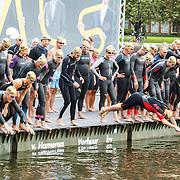 NLD/Amsterdam/20150906 - Amsterdam City Swim 2015, Ruud Feltkamp nr. 070 (midden in de foto) Beau van Erven Dorens nr. 025