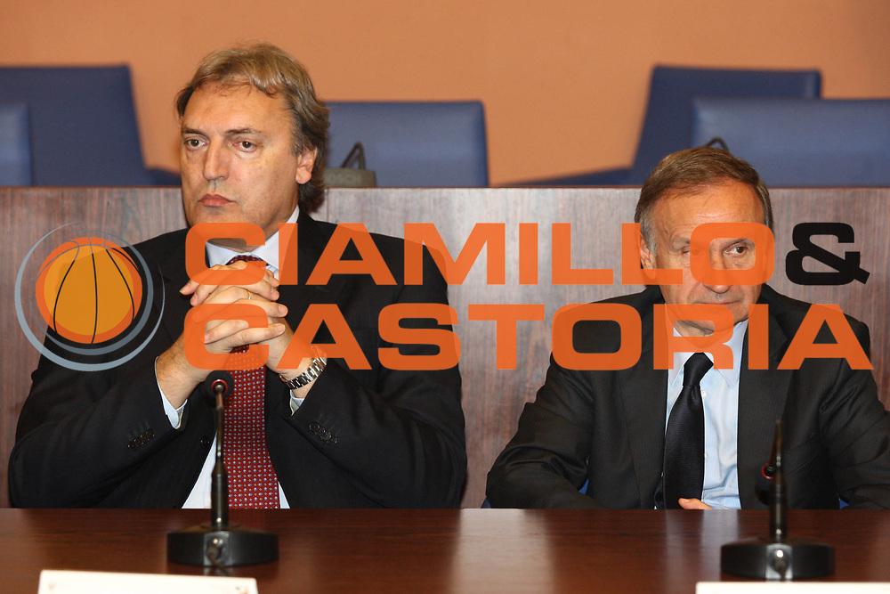DESCRIZIONE : Roma Salone di Onore del Coni Conferenza stampa Marco Belinelli e Francesco Cuzzolin<br /> GIOCATORE : Dino Meneghin Giovanni Petrucci <br /> SQUADRA : Italia Nazionale Italiana<br /> EVENTO : Conferenza stampa Marco Belinelli e Francesco Cuzzolin<br /> GARA :&nbsp;<br /> DATA : 12/05/2010<br /> CATEGORIA : ritratto&nbsp;<br /> SPORT : Pallacanestro<br /> AUTORE : Agenzia Ciamillo-Castoria/GiulioCiamillo<br /> Galleria : Fip Nazionali 2009<br /> Fotonotizia :&nbsp;Roma Salone di Onore del Coni Conferenza stampa Marco Belinelli e Francesco Cuzzolin<br /> Predefinita :