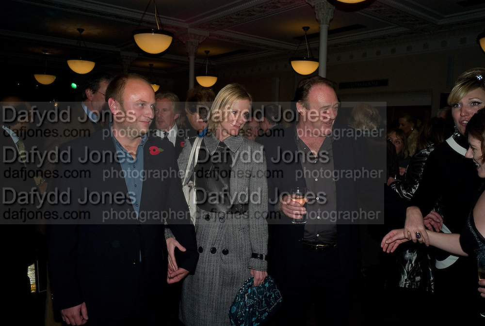 SIMON WHEELER; HERMIONE NORRIS; CHRISTOPHER CAZENOVE, Book launch for the book by Julian Fellowes 'Past Imperfect.' Cadogan Hall. Sloane Terrace. London. 4 November 2008 *** Local Caption *** -DO NOT ARCHIVE -Copyright Photograph by Dafydd Jones. 248 Clapham Rd. London SW9 0PZ. Tel 0207 820 0771. www.dafjones.com