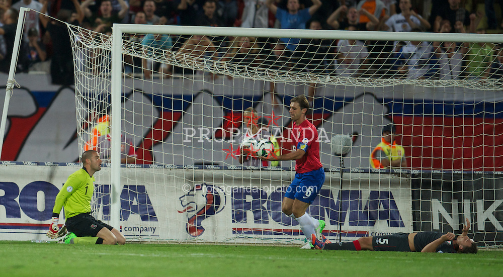 NOVI SAD, SERBIA - Tuesday, September 11, 2012: Wales' goalkeeper Boaz Myhill looks dejected as Serbia score the fourth goal during the 2014 FIFA World Cup Brazil Qualifying Group A match at the Karadorde Stadium. (Pic by David Rawcliffe/Propaganda)