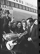 Dana Arrives after Eurovision Success.23/03/1970 greetings at dublin airport