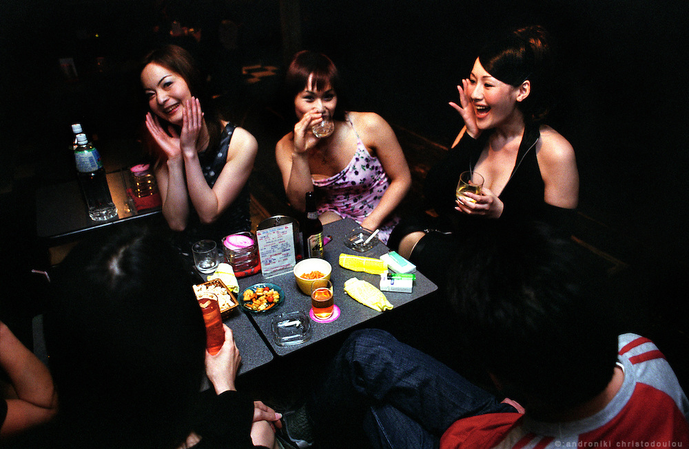 TOKYO TRANSGENDER.LA SAISON club in Shinjuku has a show with transsexual artists. Transsexuals there work as hostesses. This kind of night jobs are the usual jobs for transsexuals in Tokyo..©: Androniki Christodoulou.