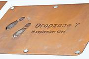 Airborne-monument op de Ginkelse Heide in Ede voor dropzone Y