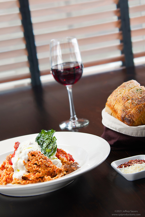 Food Photo at Vivo Italian Kitchen and Wine Bar by Jeffrey Sauers of Commercial Photographics In Washington DC, Virginia to Florida and PA to New England