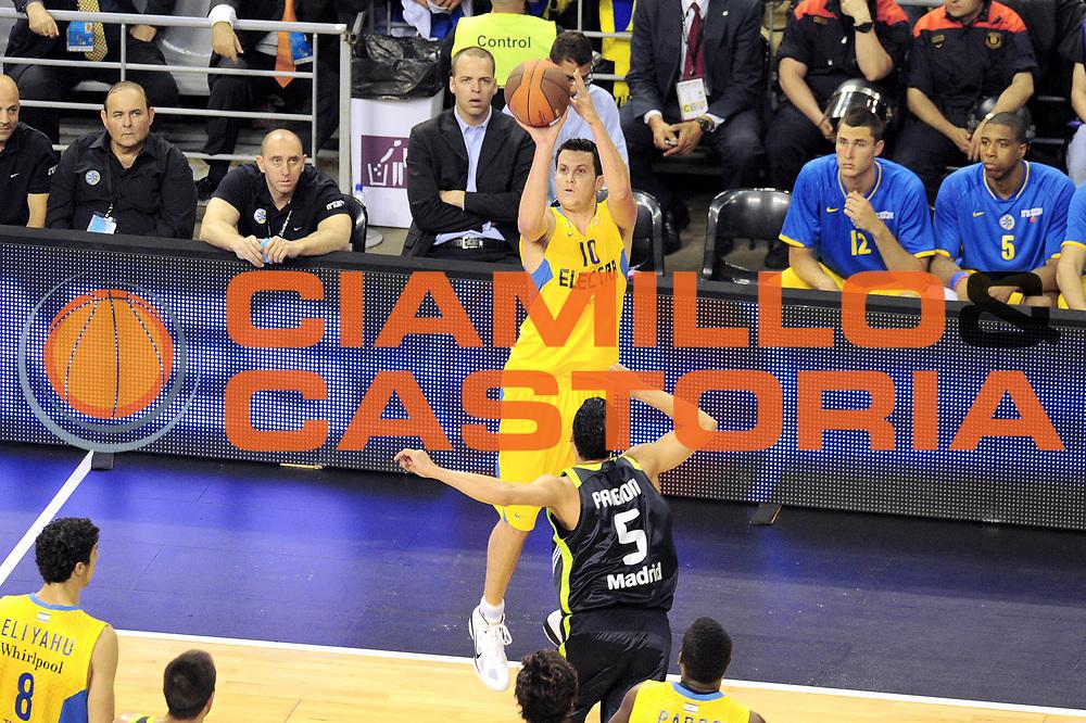 DESCRIZIONE : Barcellona Barcelona Eurolega Eurolegue 2010-11 Final Four Semifinale Semifinal Maccabi Electra Tel Aviv Real Madrid<br /> GIOCATORE : Guy Pnin<br /> SQUADRA : Maccabi Electra Tel Aviv<br /> EVENTO : Eurolega 2010-2011<br /> GARA : Maccabi Electra Tel Aviv Real Madrid<br /> DATA : 06/05/2011<br /> CATEGORIA : tiro<br /> SPORT : Pallacanestro<br /> AUTORE : Agenzia Ciamillo-Castoria/GiulioCiamillo<br /> Galleria : Eurolega 2010-2011<br /> Fotonotizia : Barcellona Barcelona Eurolega Eurolegue 2010-11 Final Four Semifinale Semifinal Maccabi Electra Tel Aviv Real Madrid<br /> Predefinita :