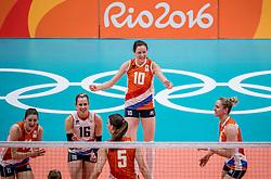 06-08-2016 BRA: Olympic Games day 1, Rio de Janeiro<br /> De Nederlandse volleybalsters hebben hun rentree op olympisch niveau glans gegeven door grootmacht China met 3-2 te verslaan / Lonneke Sloetjes #10, Anne Buijs #11, Debby Stam-Pilon #16, Maret Balkestein-Grothues #6