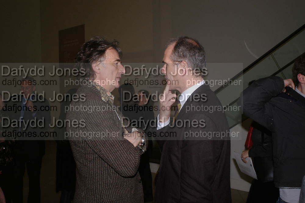 Sir Paul Smith and Sandy Nairne. private view of Lee Miller Portraits. National Portrait Gallery. 2 February 2005. ONE TIME USE ONLY - DO NOT ARCHIVE  © Copyright Photograph by Dafydd Jones 66 Stockwell Park Rd. London SW9 0DA Tel 020 7733 0108 www.dafjones.com