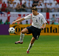 Photo: Glyn Thomas.<br />England v Paraguay. Group B, FIFA World Cup 2006. 10/06/2006.<br /> England's Steven Gerrard.