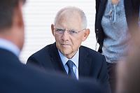 27 AUG 2017, BERLIN/GERMANY:<br /> Wolfgang Schaeuble, CDU, Bundesfinanzminister, im Gespraech mit Buergern, Tag der offenen Tuer, Bundesministerium der Finanzen, BMF<br /> IMAGE: 20170827-01-049<br /> KEYWORDS: Tag der offenen T&uuml;r, Wolfgang Sch&auml;uble