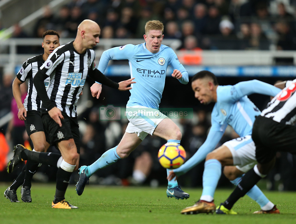 27 December 2017 Newcastle: Premier League Football - Newcastle United v Manchester City : Kevin De Bruyne of Man City makes a run behind the Newcastle defence.<br /> (photo by Mark Leech)