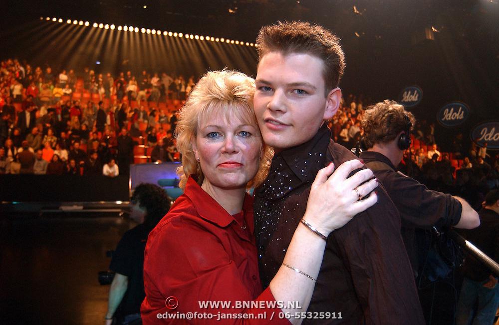 Opname Idols, Bas Nibbelke en zijn moeder