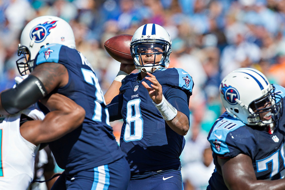 NASHVILLE, TN - OCTOBER 18:  Marcus Mariota #8 of the Tennessee Titans throws a pass during a game against the Miami Dolphins at LP Field on October 18, 2015 in Nashville, Tennessee.  The Dolphins defeated the Titans 38-10.  (Photo by Wesley Hitt/Getty Images) *** Local Caption *** Marcus Mariota