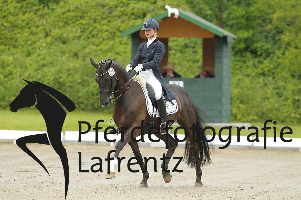 Breidenbach-Laffrenzen, Vera, Titan 127<br /> Eutin - Dressur- und Springturnier<br /> © www.sportfotos-lafrentz.de/Stefan Lafrentz