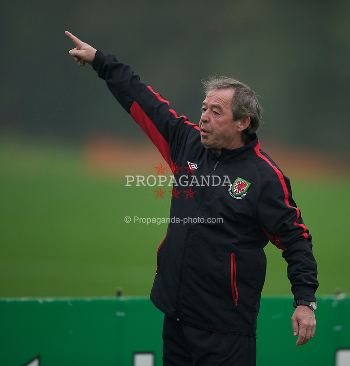 CARDIFF, WALES - Sunday, October 10, 2010: Wales' new manager Brian Flynn during a training session at the Vale of Glamorgan ahead of the Euro 2012 qualifying Group G match against Switzerland. (Pic by David Rawcliffe/Propaganda)