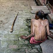 A Benares, dans les hospices, on vient attendre la mort.