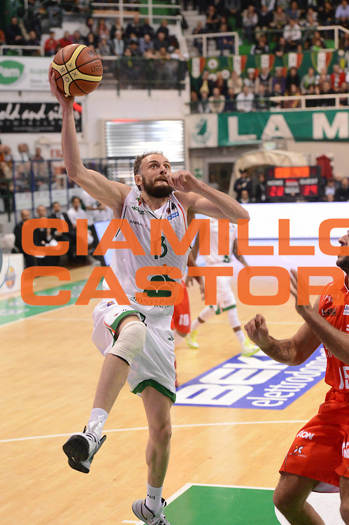 DESCRIZIONE : Siena Lega A 2012-13 Montepaschi Siena EA7 Emporio Armani Milano<br /> GIOCATORE : Viktor Sanikidze<br /> CATEGORIA :  tiro<br /> SQUADRA : Montepaschi Siena<br /> EVENTO : Campionato Lega A 2012-2013 <br /> GARA : Montepaschi Siena EA7 Emporio Armani Milano<br /> DATA : 05/11/2012<br /> SPORT : Pallacanestro <br /> AUTORE : Agenzia Ciamillo-Castoria/GiulioCiamillo<br /> Galleria : Lega Basket A 2012-2013  <br /> Fotonotizia :  Siena Lega A 2012-13 Montepaschi Siena EA7 Emporio Armani Milano<br /> Predefinita :