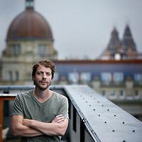 Nederland, Amsterdam , 16 augustus 2013.<br /> dichter/schrijver, acteur en regisseur Ramsey Nasr<br /> Foto:Jean-Pierre Jans
