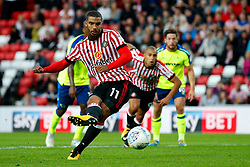 Lewis Grabban of Sunderland scores the equalising goal to make it 1-1 - Mandatory by-line: Matt McNulty/JMP - 04/08/2017 - FOOTBALL - Stadium of Light - Sunderland, England - Sunderland v Derby County - Sky Bet Championship
