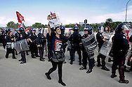 BENEVENTO. DOCENTI PROTESTANO CONTRO LA RIFORMA DELLA SCUOLA DURANTE IL DISCORSO DEL PRESIDENTE DEL CONSIGLIO SILVIO BERLUSCONI IN OCCASIONE DELLA FESTA DELLA LIBERTA'