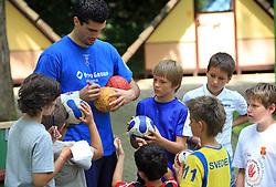 Ognjen Backovic na obisku na otroski rokometni akademiji Urosa Zormana v Dolenjskih toplicah, 27. junija 2008, Dolenjske toplice, Slovenija. (Photo by Vid Ponikvar / Sportal Images)