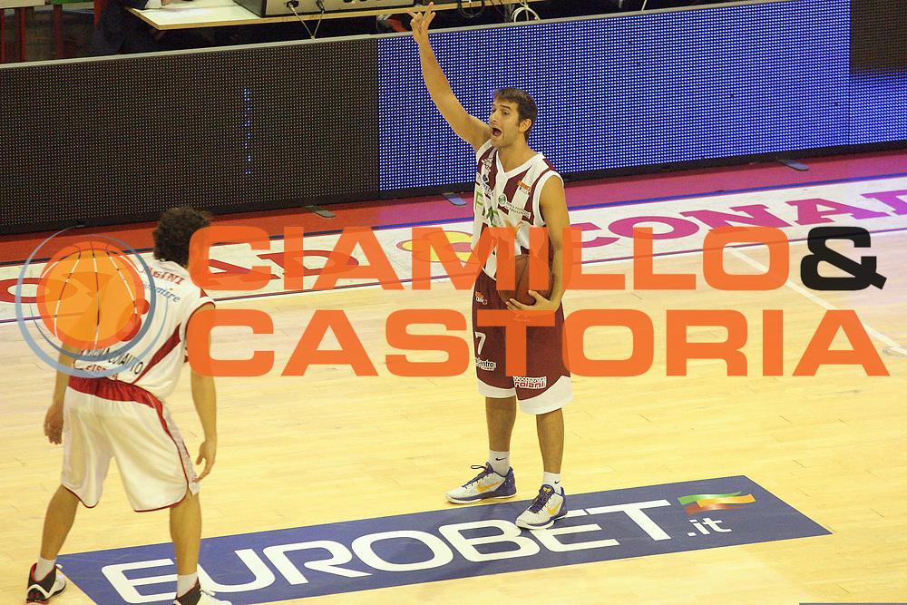 DESCRIZIONE : Pistoia Lega A2 2012-13 Giorgio Tesi Group Pistoia Fmc Ferentino<br /> GIOCATORE : Tomassini Giovanni Commercial Eurobet.it<br /> SQUADRA : Fmc Ferentino<br /> EVENTO : Campionato Lega A2 2012-2013<br /> GARA : Giorgio Tesi Group Pistoia Fmc Ferentino<br /> DATA : 05/10/2012<br /> CATEGORIA : Palleggio<br /> SPORT : Pallacanestro<br /> AUTORE : Agenzia Ciamillo-Castoria/Stefano D'Errico<br /> Galleria : Lega Basket A2 2012-2013 <br /> Fotonotizia : Pistoia Lega A2 2011-2012 Giorgio Tesi Group Pistoia Fmc Ferentino<br /> Predefinita :
