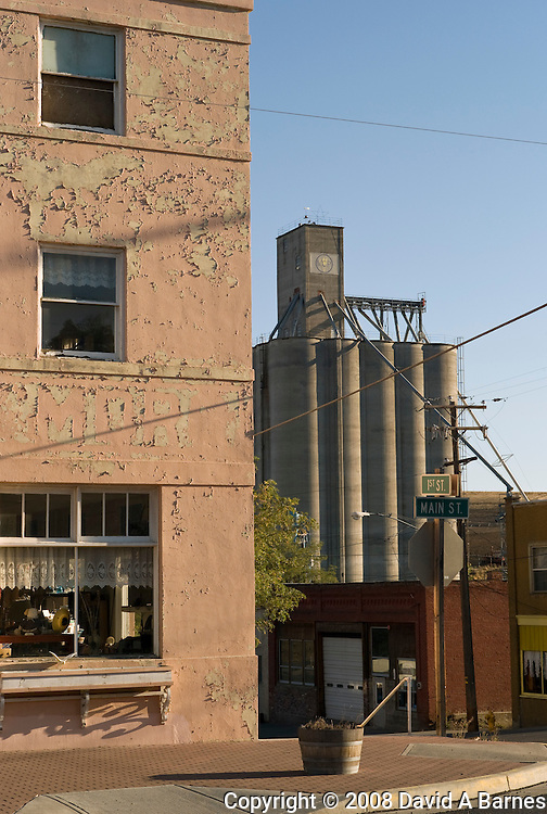 Grain elevator, Moro, Oregon, USA