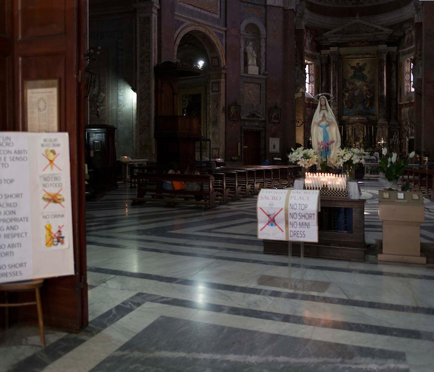 regole in una chiesa di Roma,<br /> rules in a church in Rome