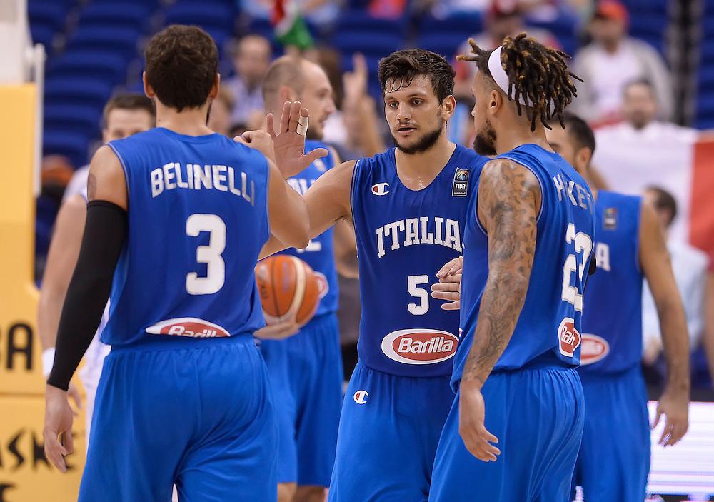 DESCRIZIONE : Berlino Eurobasket 2015 Islanda Italia<br /> GIOCATORE : Alessandro Gentile<br /> CATEGORIA : esultanza<br /> SQUADRA : Italia<br /> EVENTO : Eurobasket 2015<br /> GARA : Islanda Italia<br /> DATA : 06/09/2015<br /> SPORT : Pallacanestro<br /> AUTORE : Agenzia Ciamillo&shy;Castoria/R.Morgano<br /> Galleria : Eurobasket 2015<br /> Fotonotizia : Berlino Eurobasket 2015 Islanda Italia