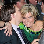 NLD/Rotterdam/20110202 - Boekpresentatie Mr. Finney door pr. Laurentien, word gekust door haar partner pr. Constantijn
