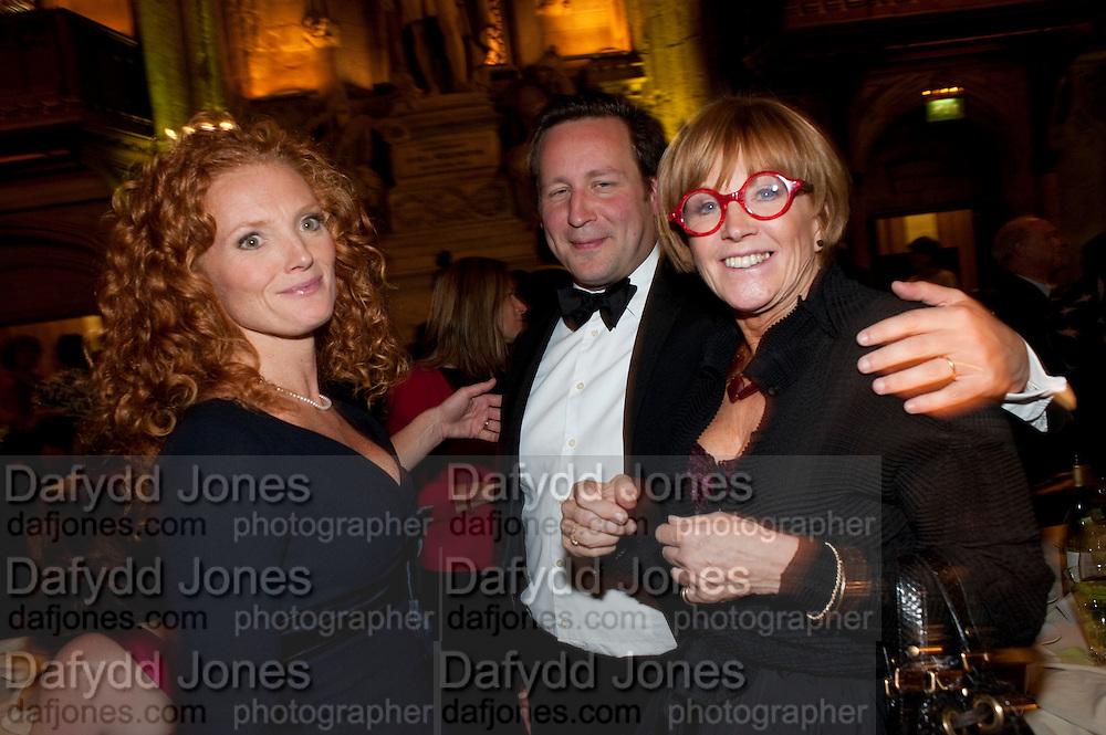 EMMA WILSON; ED VAIZEY;ANNE ROBINSON, Man Booker prize 2011. Guildhall. London. 18 October 2011. <br /> <br />  , -DO NOT ARCHIVE-© Copyright Photograph by Dafydd Jones. 248 Clapham Rd. London SW9 0PZ. Tel 0207 820 0771. www.dafjones.com.
