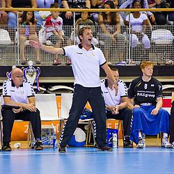 02-06-2011 HANDBAL: BEKERFINALE HURRY UP - O EN E: ALMERE<br /> Coach Arthur Langedijk<br /> ©2011-FotoHoogendoorn.nl / Peter Schalk