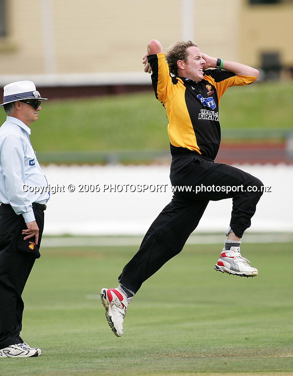 Wellington Firebirds bowler Iain O'Brien bowls during the State Shield cricket match between the State Wellington Firebirds and the State Central Stags held at the Basin Reserve in Wellington, New Zealand on Wednesday, 24 January, 2007. Photo: Tim Hales/PHOTOSPORT