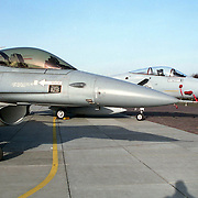 NLD/Soesterberg/19921127 - F-15 Eagle 32ste Fighter Squadron en F-16 J-203