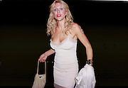Courtney Love. Apocalypse opening. Royal Academy. 18 September 2000. © Copyright Photograph by Dafydd Jones 66 Stockwell Park Rd. London SW9 0DA Tel 020 7733 0108 www.dafjones.com