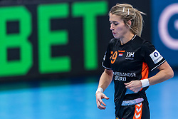 14-12-2018 FRA: Women European Handball Championships France - Netherlands, Paris<br /> Second semi final France - Netherlands / Estavana Polman #79 of Netherlands