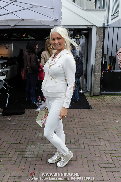 NLD/Amsterdam/20120510 - Mom's Moment 2012, Barbie, Samantha de Jong