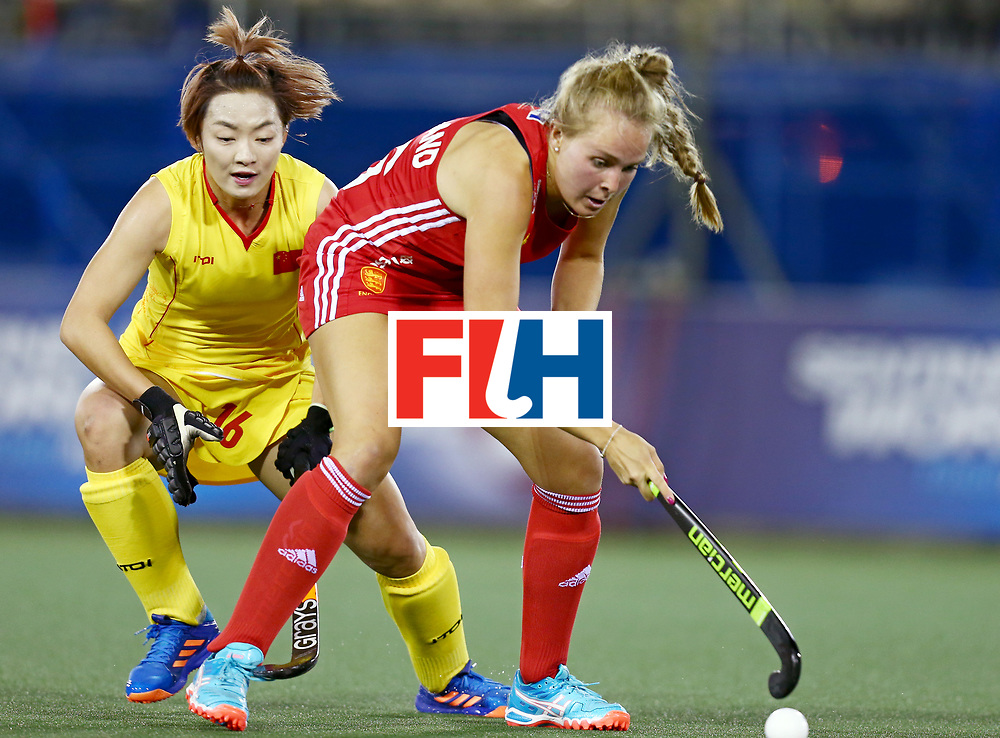 New Zealand, Auckland - 21/11/17  <br /> Sentinel Homes Women&rsquo;s Hockey World League Final<br /> Harbour Hockey Stadium<br /> Copyrigth: Worldsportpics, Rodrigo Jaramillo<br /> Match ID: 10302 - ENG vs CHN<br /> Photo: (16) DEFROAND Emily against (16) OU Zixia&nbsp;(C)
