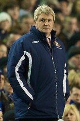 LIVERPOOL, ENGLAND - Wednesday, January 27, 2010: Sunderland's manager Steve Bruce during the Premiership match against Everton at Goodison Park. (Photo by: David Rawcliffe/Propaganda)