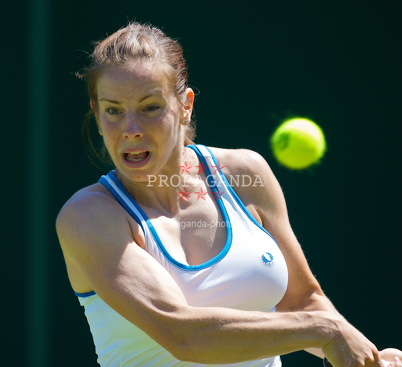 LONDON, ENGLAND - Tuesday, June 23, 2009: Katie O'Brien (GBR) during the Ladies' Singles 1st Round on day two of the Wimbledon Lawn Tennis Championships at the All England Lawn Tennis and Croquet Club. (Pic by David Rawcliffe/Propaganda)