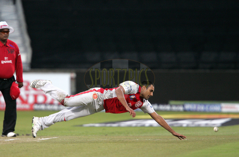 DURBAN, SOUTH AFRICA - 24 April 2009. Ravi Bopara during the IPL Season 2 match between the Royal Challengers Bangalore and the Kings X1 Punjab held at Sahara Stadium Kingsmead, Durban, South Africa..