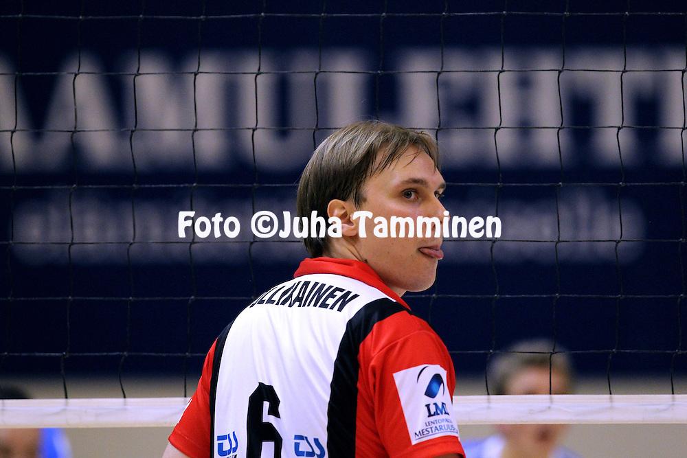 24.10.2010, Pyynikin Palloiluhalli, Tampere..Lentopallon Mestaruusliiga 2010-11..Tampereen Isku-Volley - Pielaveden Sampo..Matti Ollikainen - Isku-Volley.©Juha Tamminen.
