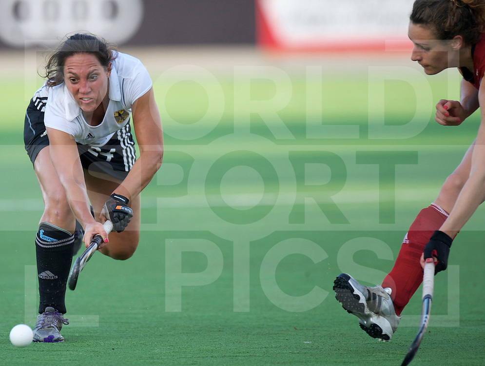 ROSARIO - Champions Trophy women hockey.Great Britain v Germany.Great Britain wins 2-0 and go into the final.foto: Maaike Stockel Ashleigh Ball ( r ).FFU Press Agency  COPYRIGHT FRANK UIJLENBROEK..
